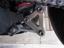スピードトリプル1050AELLA ローダウンリンクプレート(20mmDOWN)の全体画像