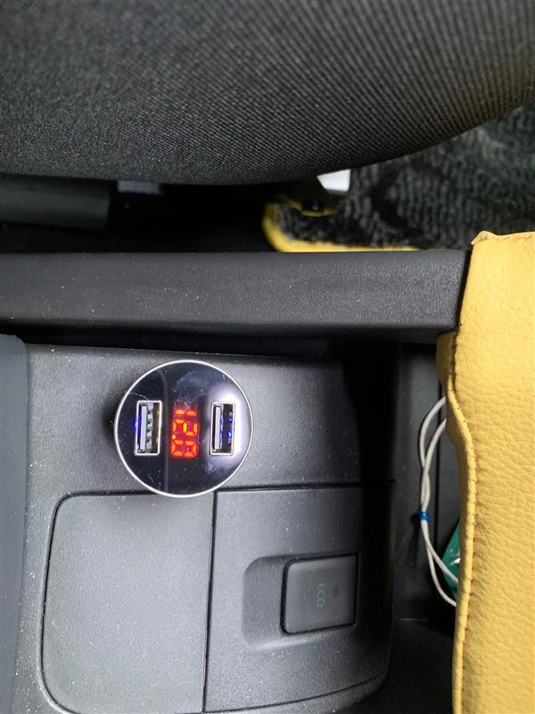aceyoon シガーソケットUSB 2ポートカーチャージャー 電圧計付