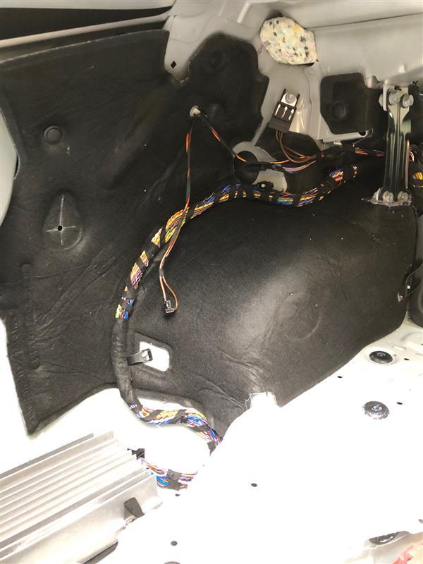 BMW(純正) トランクルームインシュレーター