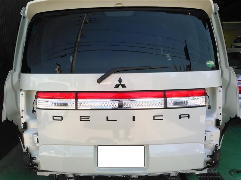三菱自動車(純正) リアガーニッシュ