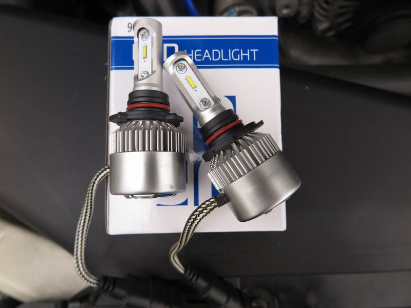 AutoGo LEDヘッドライト HB3 6500K 8000LM