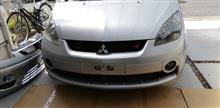コルトプラス三菱自動車(純正) ラリーアートフロントバンパーの単体画像