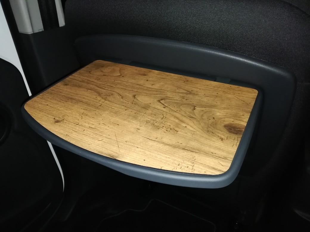 某フリマアプリ 木製フロントシートバックテーブル
