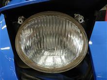 944ポルシェ(純正) ヘッドライト固定ピースの全体画像