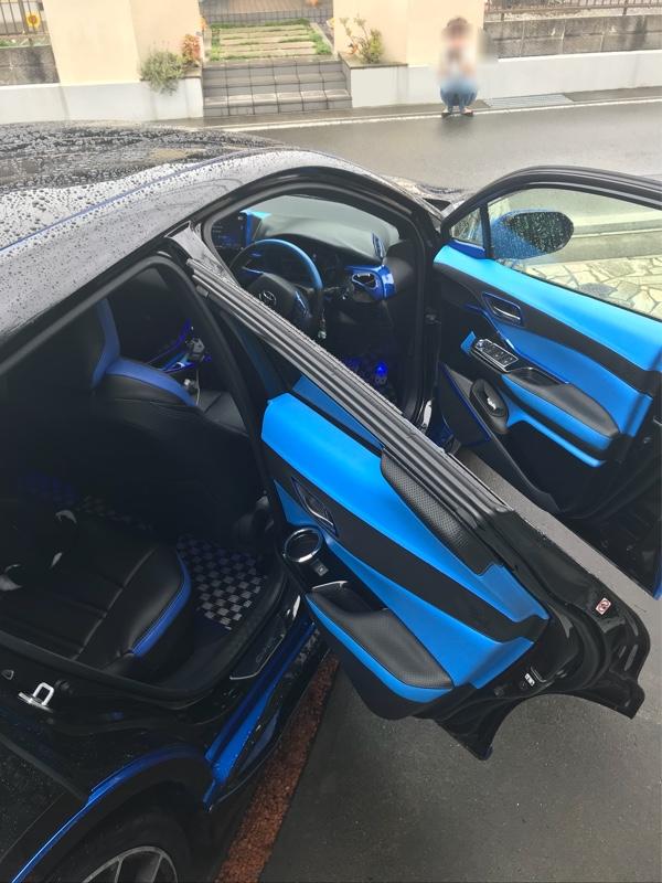 Leather Custom FIRST C-HR革加工ドアパネル