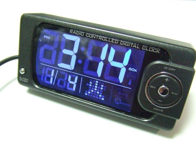 AK-50 文字発光電波時計