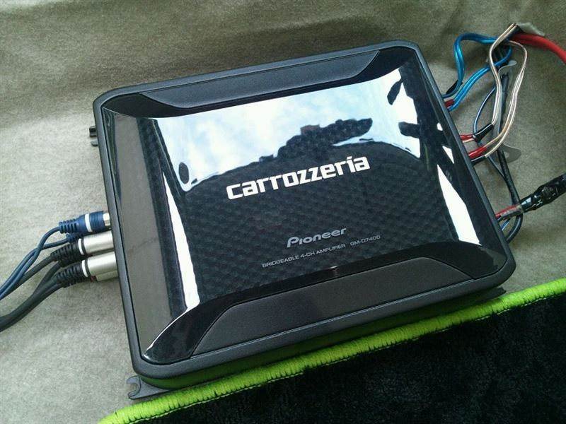 PIONEER / carrozzeria GM-D7400