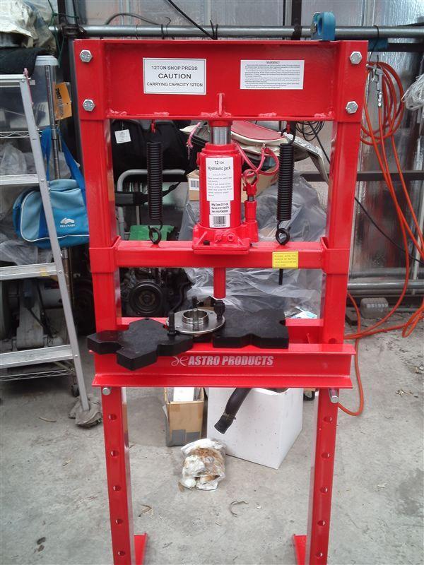 油圧プレス