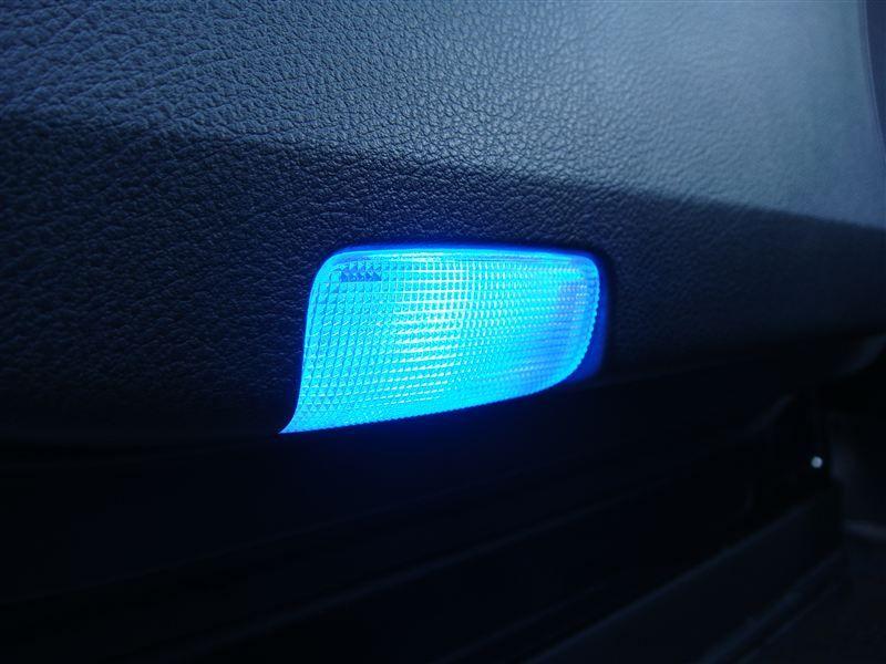 LED ドアカーテシランプ