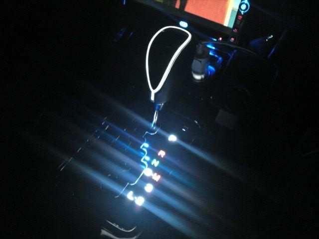 高輝度LEDシフトノブ ピアノブラック×ホワイトLED
