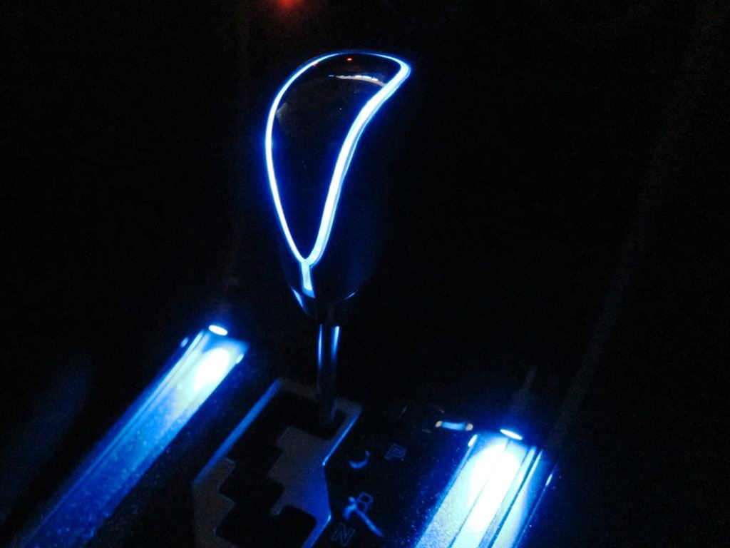 高輝度LEDシフトノブ クロームメッキ×ブルーLED