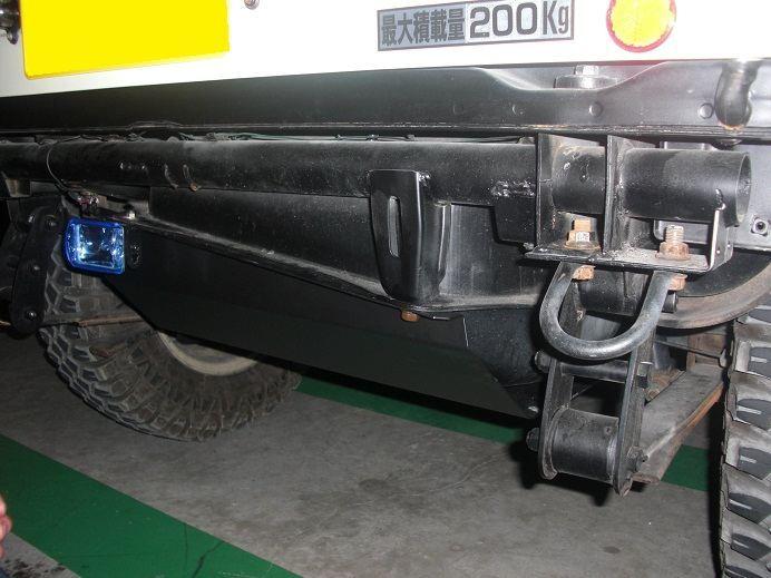タンクガード 高張力鋼板製