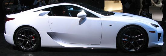 Lexus LFA サイドビュー