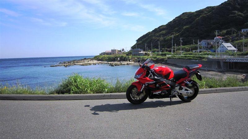 金谷にて<br /> 東京湾とCBR954RR