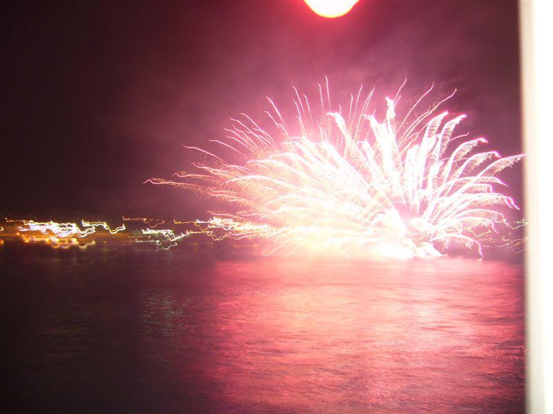 船の上からの花火