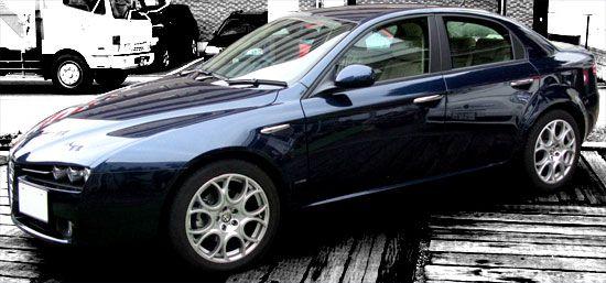 Alfa Romeo 159 サイド