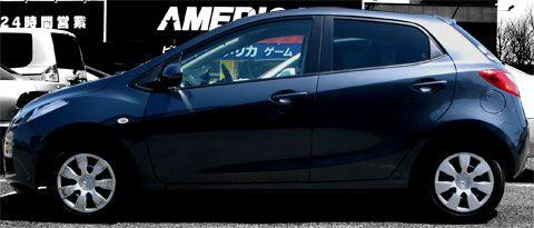 マツダ デミオ (Mazda Demio 13C DE3FS)サイドビュー
