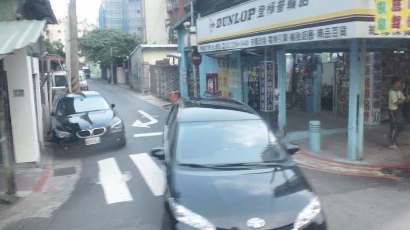 BMW5?とWISH