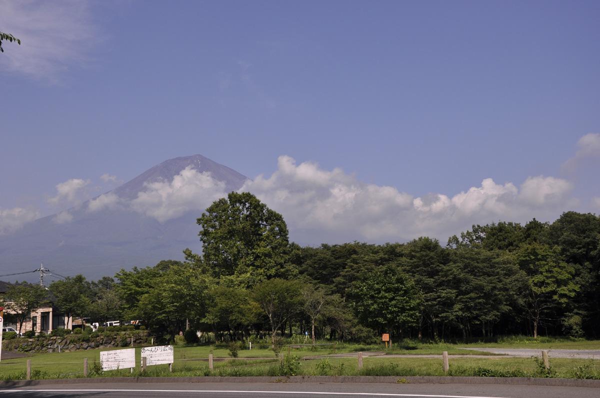 帰り際に頭をのぞかせた富士山