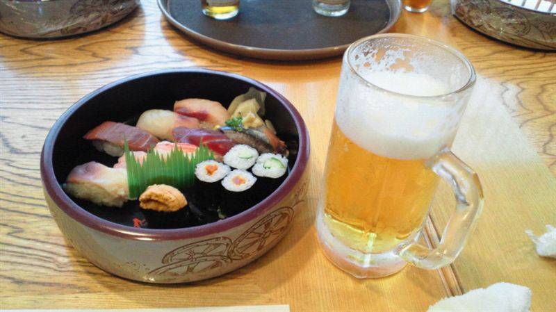 寿司は美味しい。