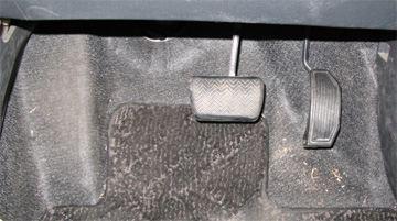 Toyota Corolla Rumion 1.8S (ZRE-152N) ペダル類
