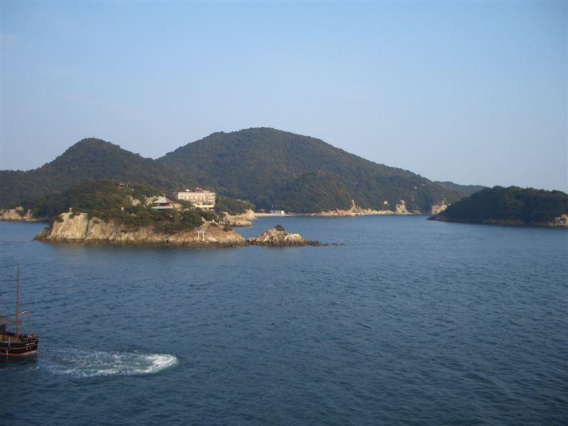 ホテルからの景色<br /> <br /> 弁天島と仙酔島