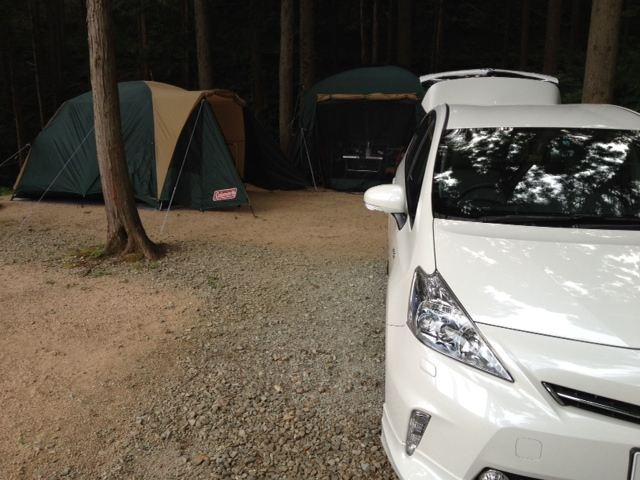 湯の原温泉 林間No.9号 二泊三日のキャンプ<br /> <br /> 一番端の場所で日陰で良いのですが<br /> <br /> 車がUターン出来ない(;´∀`)