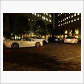 東京のイタリアで日本車とドイツ車とアメ車が…