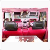 車内はピンクでデコレート!