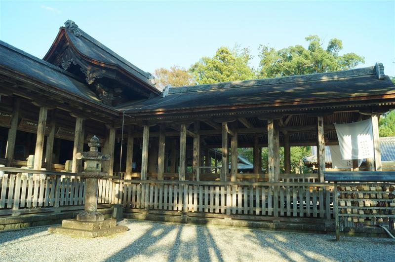 拝殿はとても大きいです。