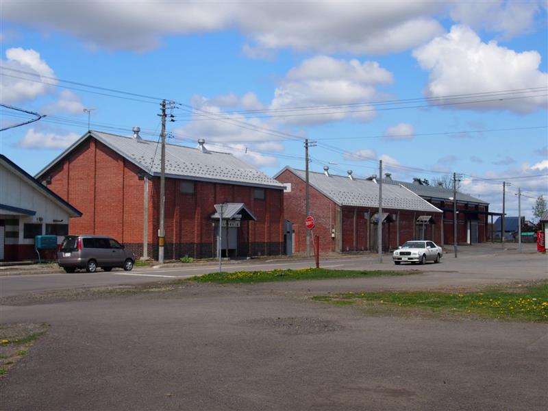 和駅跡付近の農業倉庫