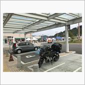静岡SAで2度目の休憩。<br /> ここでお昼にしようかどうか迷いましたが、早くキャンプ場に向かいたかったので休憩のみで済ませました。
