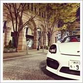 夜の神戸の街並みとボクスタースパイダー