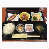 富山駅近くのホテルの朝食……<br /> さすがお米の本場!<br /> ご飯が美味しかったのと、納豆があったのでそれで合格(爆)
