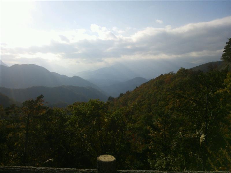 中野倉峠より上九一色を望む