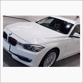 燃費とパワーを両立。BMW・320d ツーリングのガラスコーティング【リボルト岡崎】