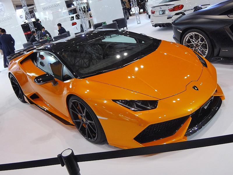 PRO STUFFブースのVorsteiner Huracan。<br /> <br /> Lamborghini Huracanにカーボンエアロと小技を効かせたマシン。<br /> <br /> やっぱ男のランボですよね〜ワラ<br />