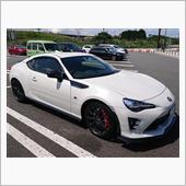 86GR、なかなかきれいな車だ、‥(^。^)y-.。o○。
