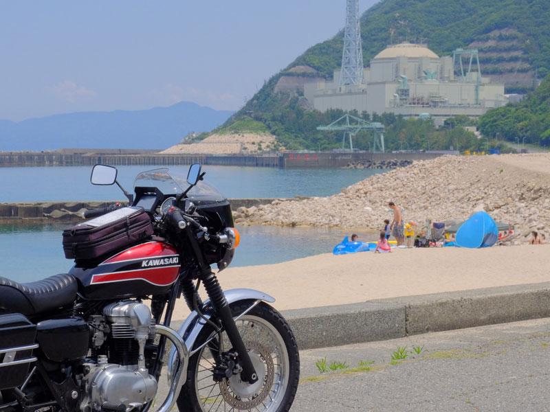白木の海水浴場と、<br /> 高速増殖炉もんじゅ