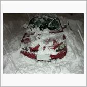 雪と赤いHRVは似合う