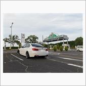 納車日に鈴鹿サーキット駐車場で記念撮影(笑)