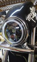 マグナ 750ノーブランド LED イカリング ヘッドライトの単体画像