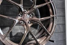 AMG GT 4ドアクーペTitan 7 ホイールの単体画像