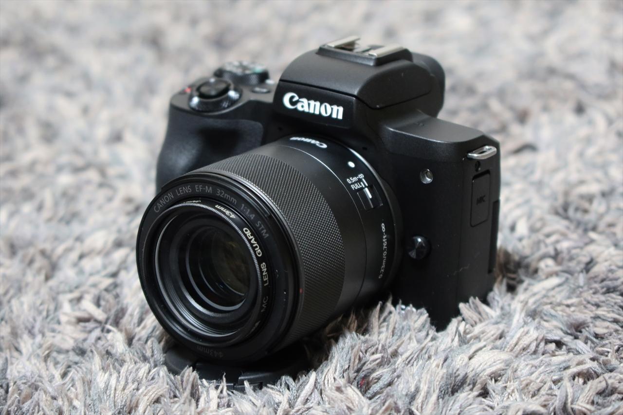 Canon EOS KissM2