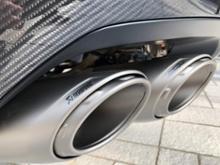 ウルスAKRAPOVIC Evolution Exhaust Systemの単体画像