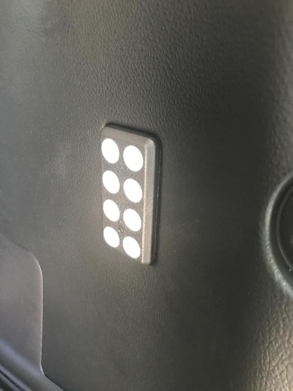 トヨタ部品大阪共販(TZ) LED LUGGAGE LAMP (LEDラゲッジランプ)