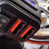 ノーブランド QC3.0 急速充電器 USBチャージャー LED電圧計搭載