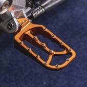 RADE/GARAGE KTM larger and lower footpegs orange