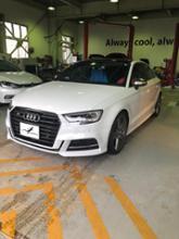 S3(セダン)Audi USグリル ダーククローム×マッドブラックの全体画像