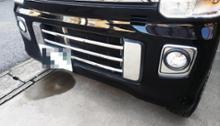 NV100クリッパー リオDRESS 鏡面ステンレス  フロントバンパーダクトサイドカバーの単体画像